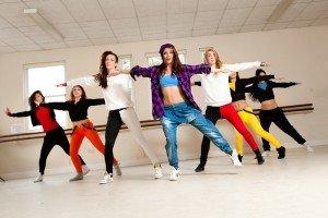 Занятие в танцевальной школе
