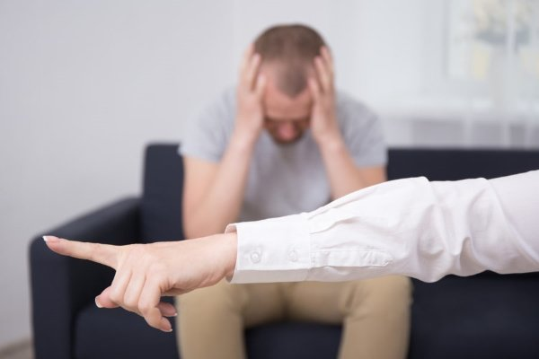 Увольнение человека на больничном