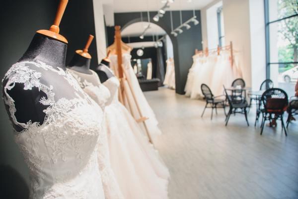 Внутри свадебного салона
